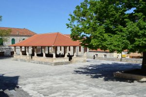 blato-church-square-01