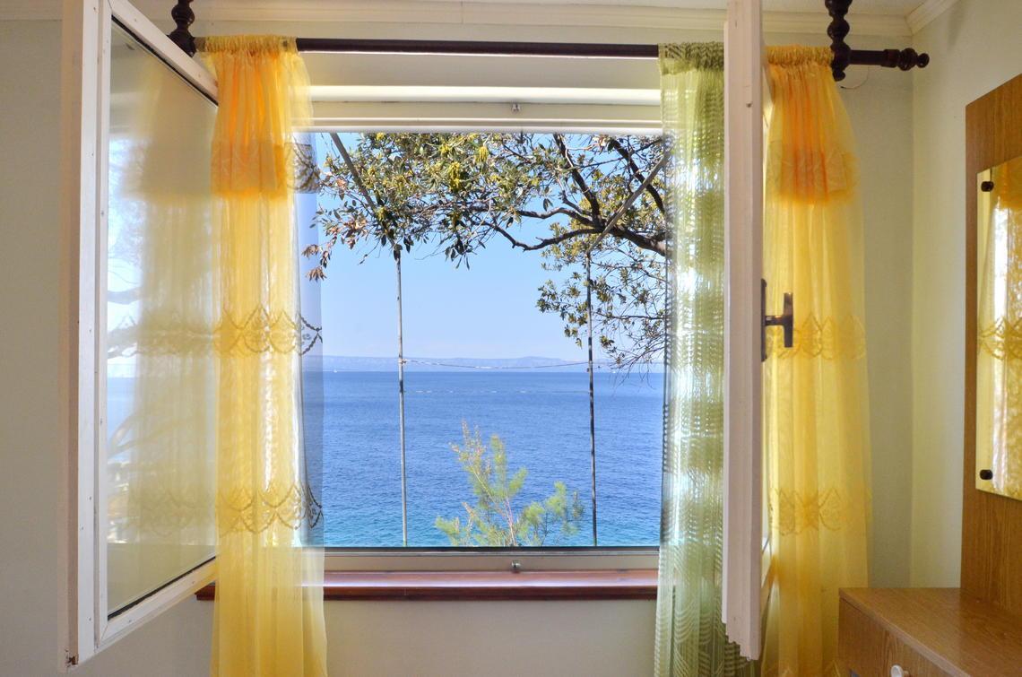 borova-lowerfloor-bedroom-07