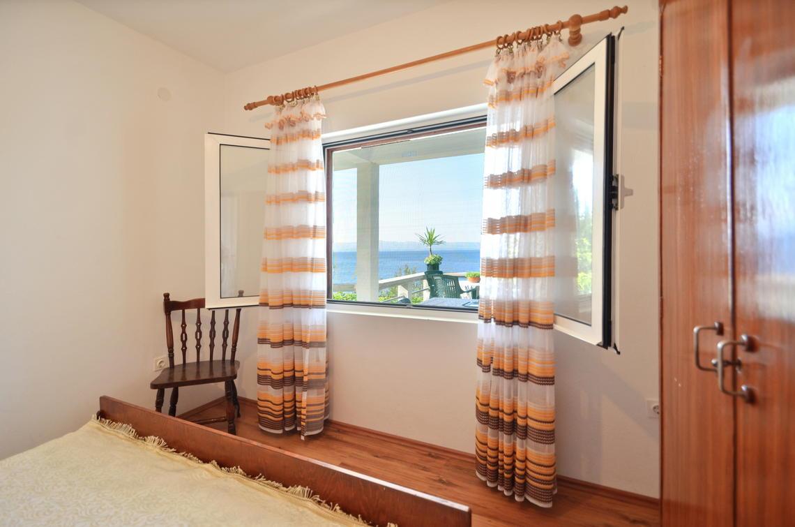 borova-middlefloor-bedroom1-02
